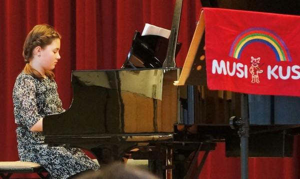 Klavier - Michelle Oberle