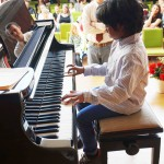 Aran Gajendran mit Klavierlehrer Alexander Savenok