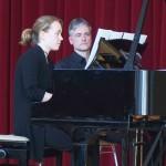 Kaja Holzhausen mit Klavierlehrer Stefan Möhle