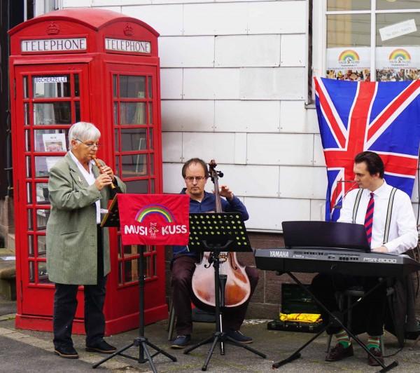 Werke von John Baston und G-.F. Händel gaben den musikalischen Rahmen für die Eröffnungsfeier (Blockflöte: Christine Büttner, Klavier: Alexander Savenok, Cello: Burkhard Menking)