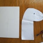 Die Form auf Pappe uebertragen