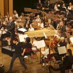 GSO Orchester und Moderator Juri Tetzlaff, ©Michael Hoetzel DGPh