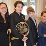 Gruppenbild mit Laeah Eom (Klavier), Johann Diego Asmus León (Horn), Thorben Diederichsen (Klavier),  Cecilia Asmus León (Trompete)
