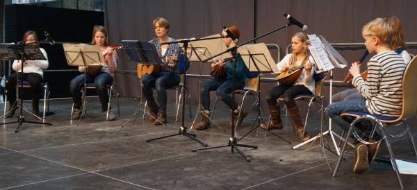 Mandolinen, Blockflöten und Gitarre: Eine gute Mischung.