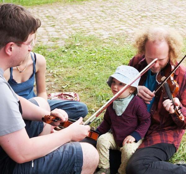 Kleiner Geigen-Interessent
