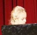 Greta Boehnke am Klavier