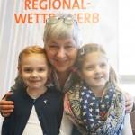 Luisa Mechmershausen, Mia Herborg mit Lehrerin Christine Büttner