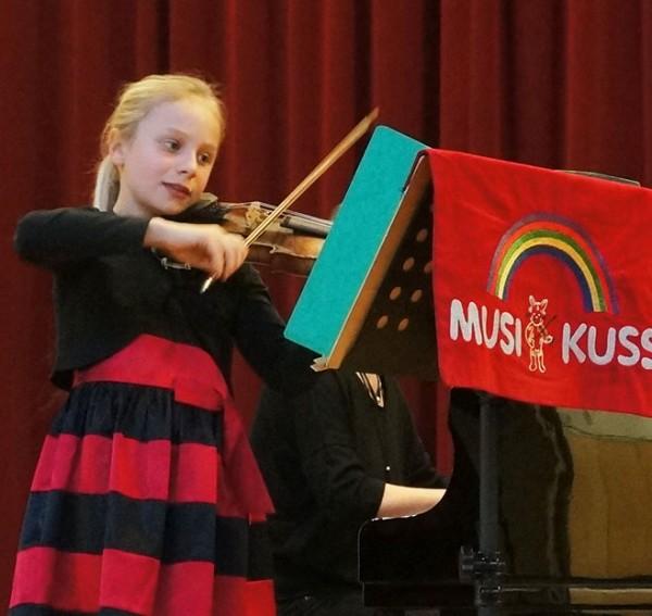Geige - Anna Dobbelstein