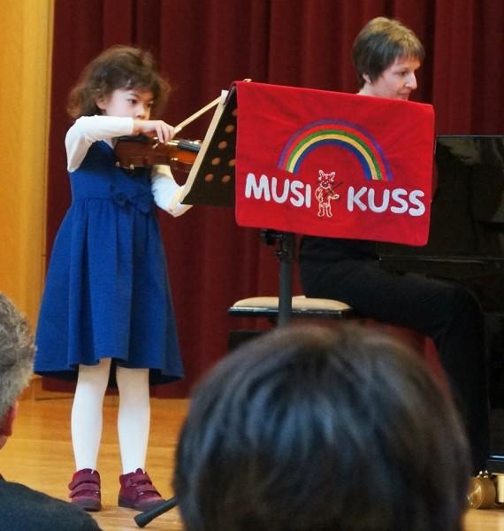 Geige - Emma Heindorf, 5 Jahre