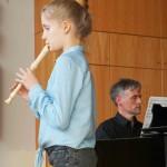 Lisa Westerhoff mit Blockflötenlehrer Stefan Möhle