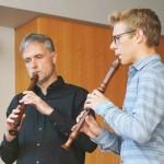 Mikkel Nobach mit Blockflötenlehrer Stefan Möhle