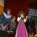 Emma Isabella Heindorf mit Geigenlehrerin Mariana Suciu