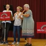 Mia Kerkhoff und Friederike Michels mit Christine Büttner